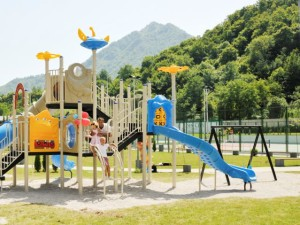 Children injuries at playground